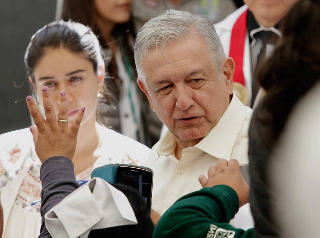 ARCHIVO. Tlaxiaco, 18 Oct 2019 (Notimex-Alejandro Guzmán).- El mandatario Andrés Manuel Lóp ...