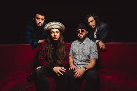 Making Moves es una banda de rock que busca dar un mensaje social a través de sus canciones. F ...