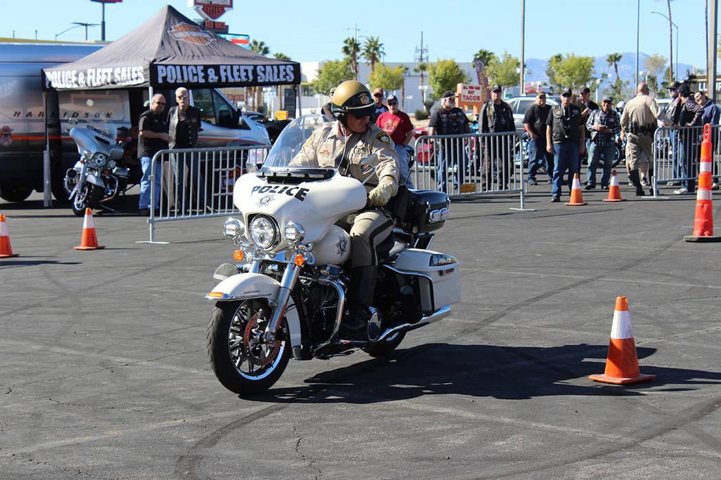 Solo hay 130 oficiales en motocicleta en LVMPD. Sábado 19 de octubre de 2019 en Harley Davidso ...