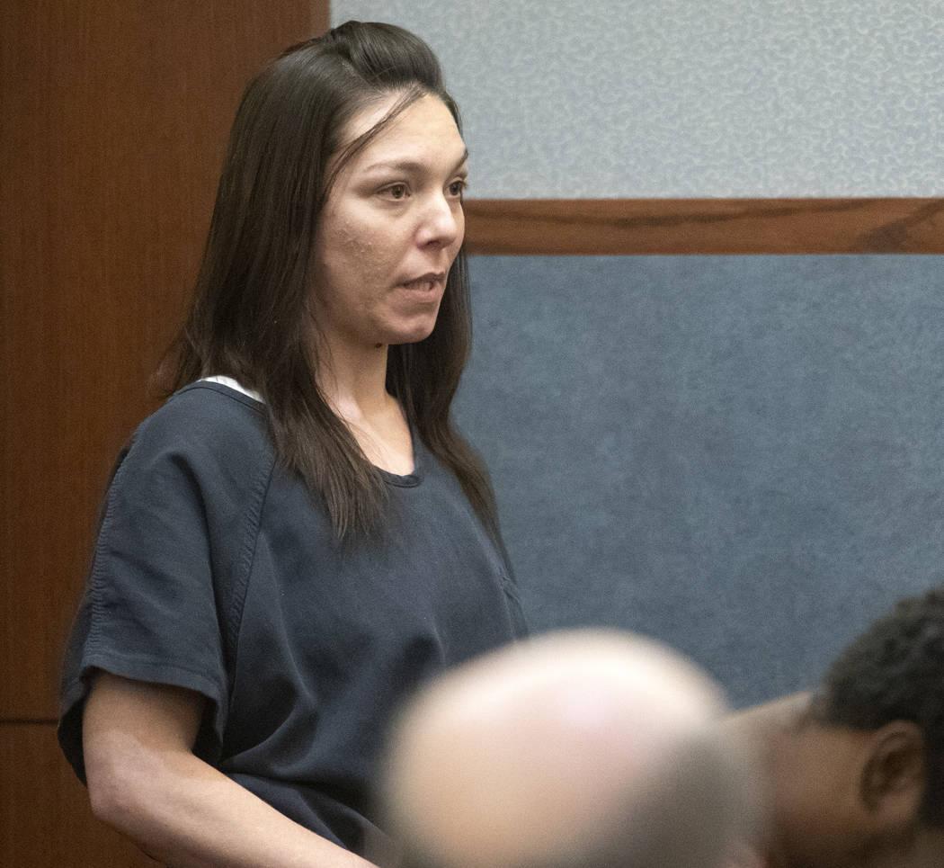 Lisa Mort, quien enfrenta un cargo de albergar, ocultar o ayudar a un delincuente en relación ...