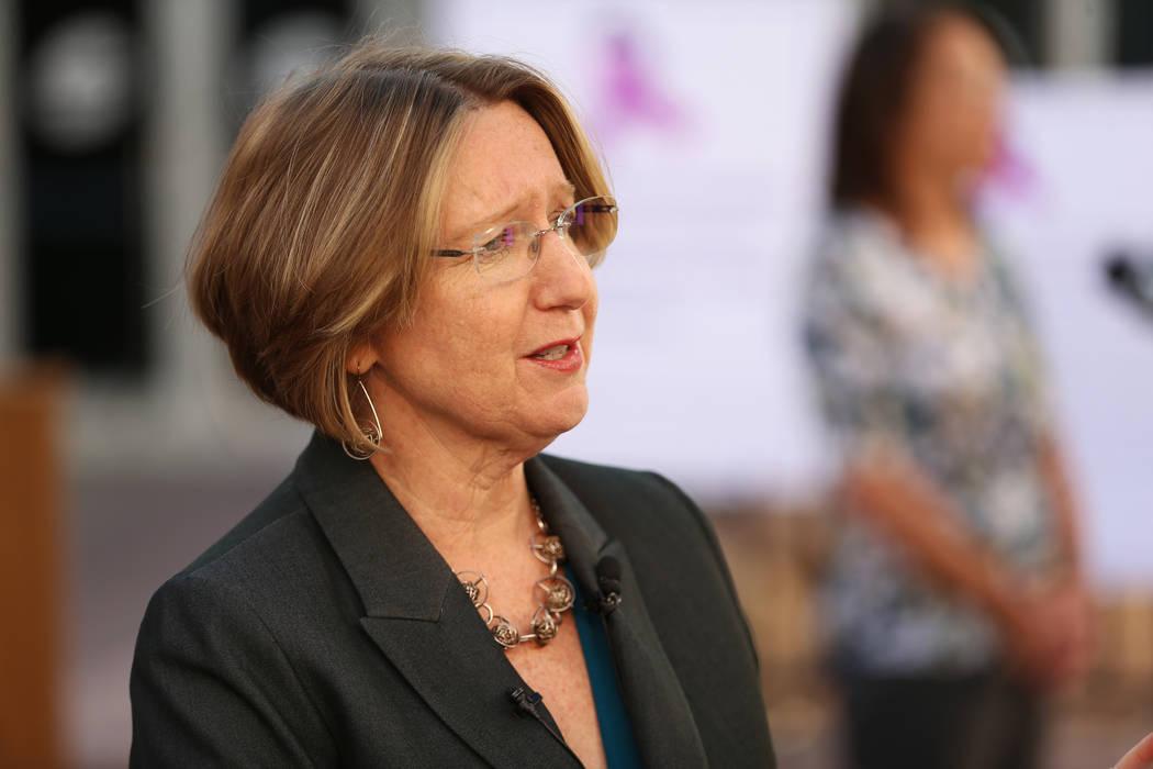 Barbara Buckley, directora ejecutiva del Centro de Asistencia Legal del Sur de Nevada, es entre ...