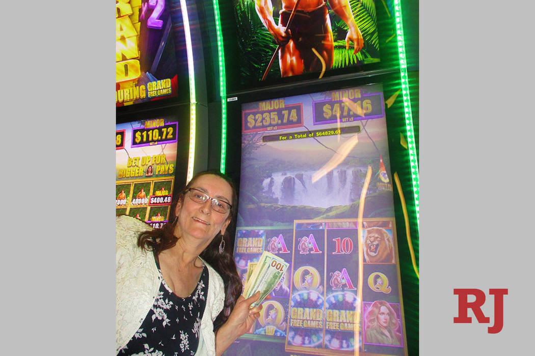 Mientras jugaba en una máquina tragamonedas Tarzan en Link Slot Lounge del Hotel STRAT, Jacque ...