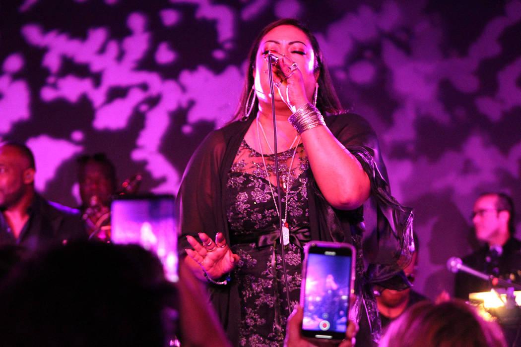 La originaria de Puerto Rico, terminó el concierto hasta la madrugada del domingo. Sábado 26 ...