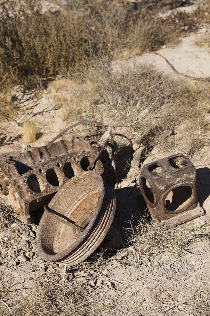 Escombros en el suelo de St. Thomas, en el Área de Recreación Nacional del Lago Mead el marte ...