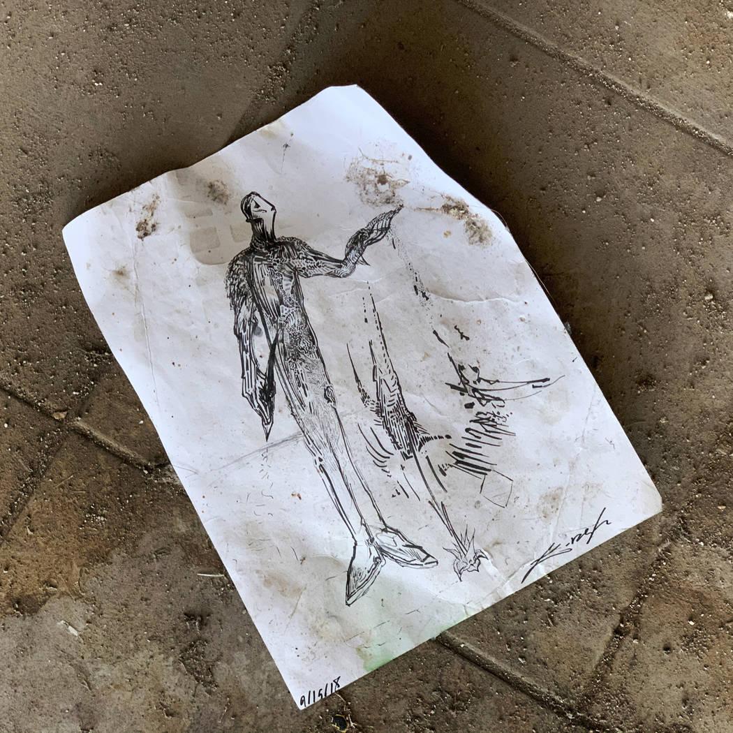 Una pieza de arte abandonada en el histórico Teatro Huntridge fotografiado el jueves, 31 de oc ...