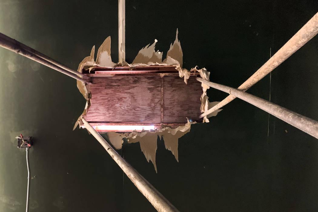 Un agujero en el techo del histórico Teatro Huntridge fotografiado el jueves, 31 de octubre de ...
