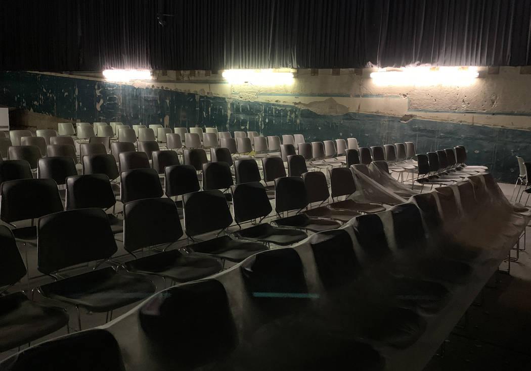 Sillas del histórico Teatro Huntridge fotografiado el jueves, 31 de octubre de 2019 en Las Veg ...