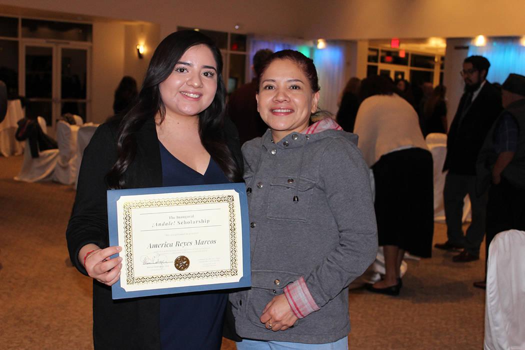 América Reyes estudia leyes en UNLV y siempre quiso ser abogada para ayudar a la comunidad. Mi ...