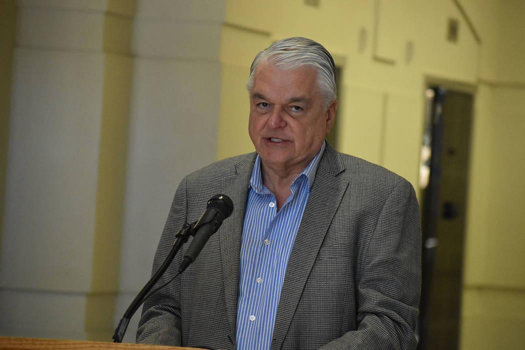 El gobernador de Nevada, Steve Sisolak, estuvo presente en el lanzamiento del periodo de inscri ...