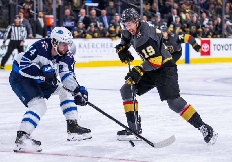 Vegas Golden Knights cayeron en casa contra Winnipeg Jets. Sábado 2 de noviembre de 2019 en T- ...
