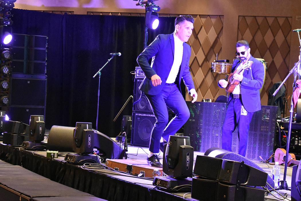 Las Cafeteras derrocharon talento y energía sobre el escenario del Fantasma Fest. Sábado 2 de ...