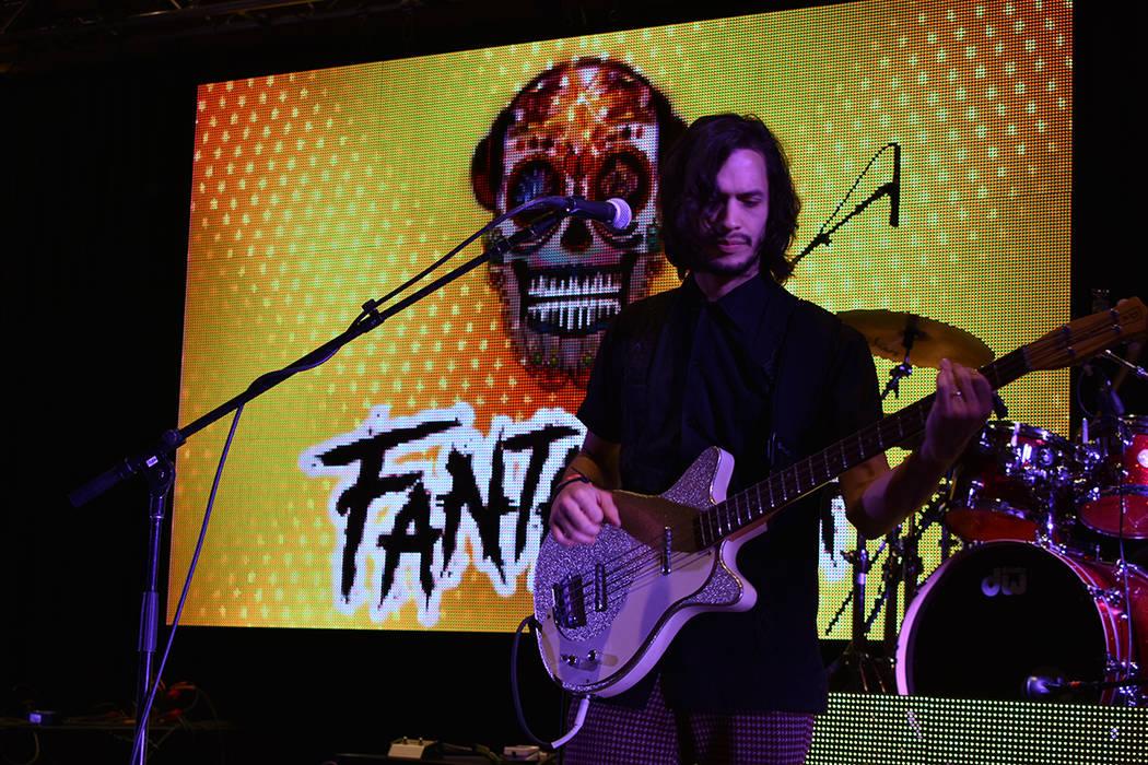 Making Movies tuvieron una atractiva presentación en el Fantasma Fest. Sábado 2 de noviembre ...