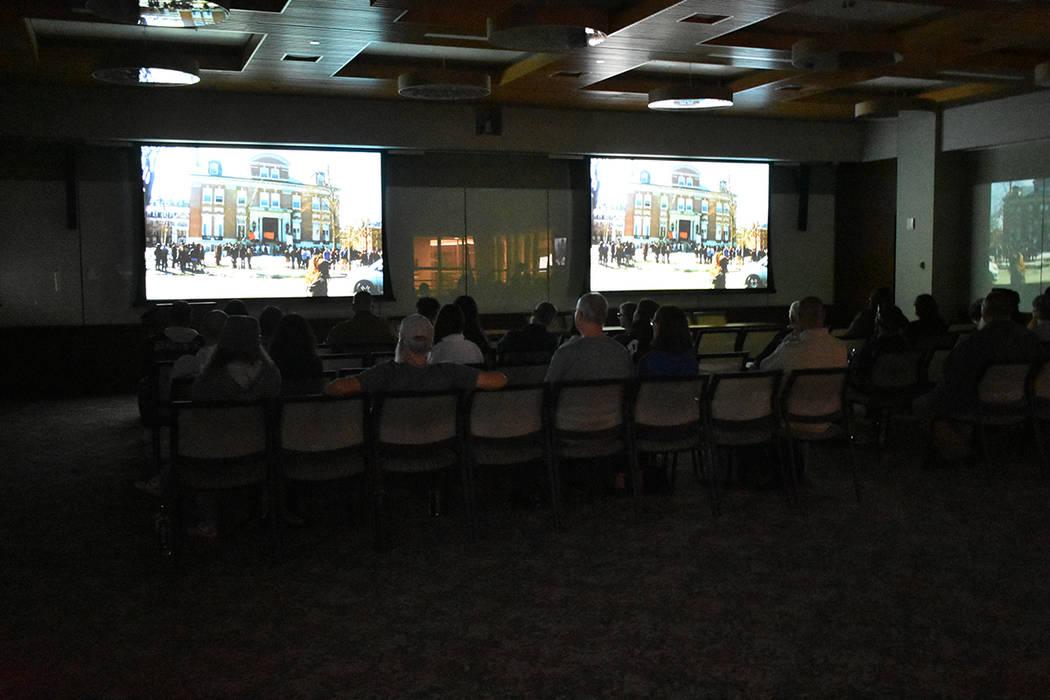 """El documental """"Change the Subject"""" fue proyectado en un evento realizado por estudiantes de ..."""