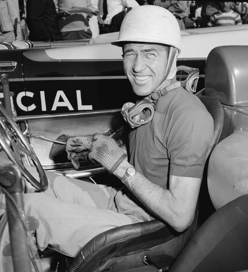 La leyenda del automovilismo estadounidense, Carroll Shelby, en las pruebas contrarreloj del Gr ...