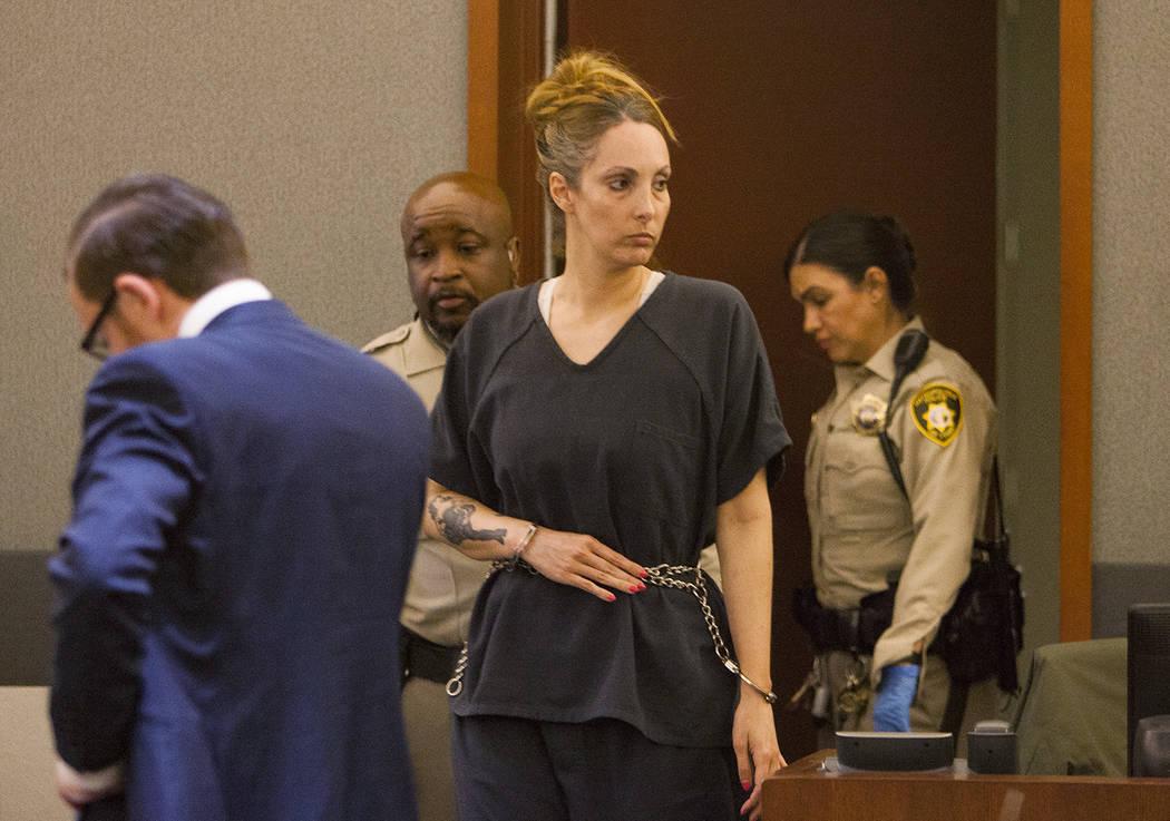 Alexis Plunkett, abogada defensora de Las Vegas encarcelada, comparece ante el tribunal en el C ...