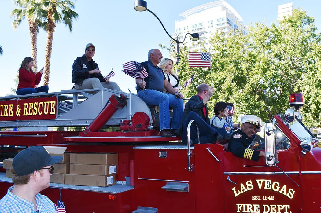 Carolyn Goodman, alcaldesa de Las Vegas fue la Mariscal del desfile, quien estuvo acompañada d ...