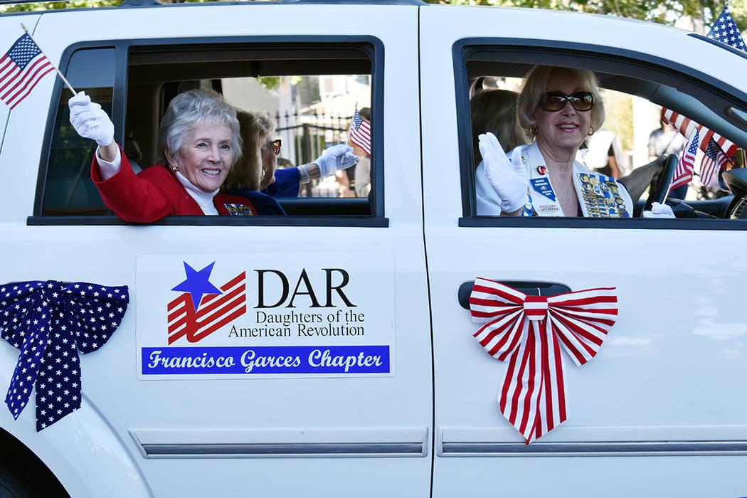 Diversas organizaciones no lucrativas que ayudan a Veteranos, entre ellas Daugthers of the Amer ...