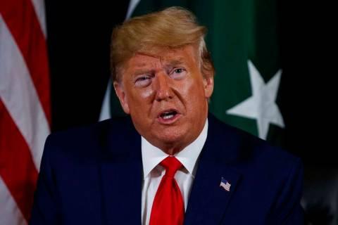 El presidente Donald Trump habla durante una reunión con el presidente pakistaní Ashraf Ghani ...