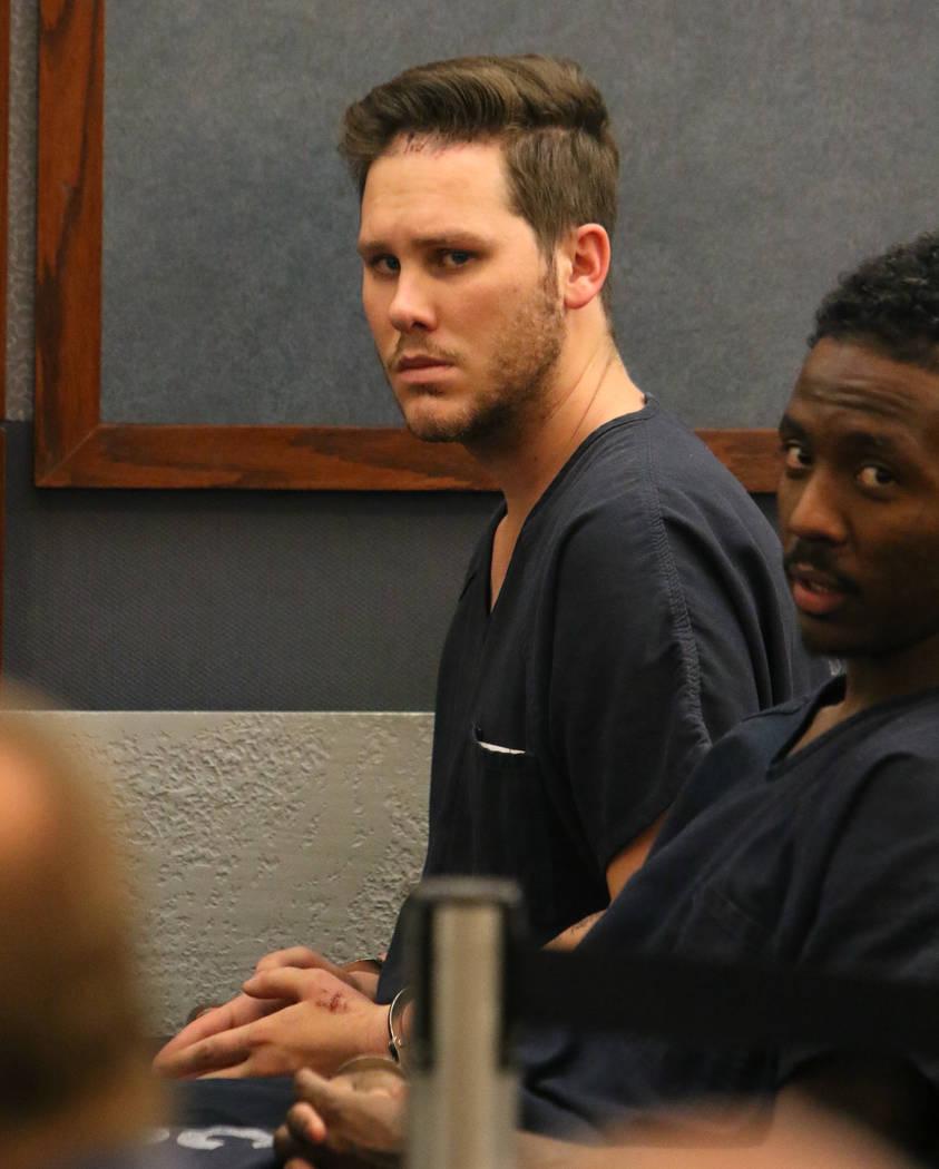 Aaron Kruse, 24 años, de Las Vegas, acusado de conducción bajo la influencia de sustancias qu ...