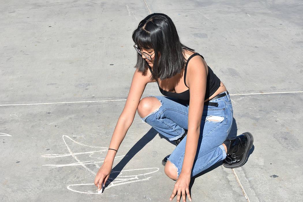 Miriam Muñoz dijo que gracias a DACA ha podido estudiar y trabajar con la debida documentació ...