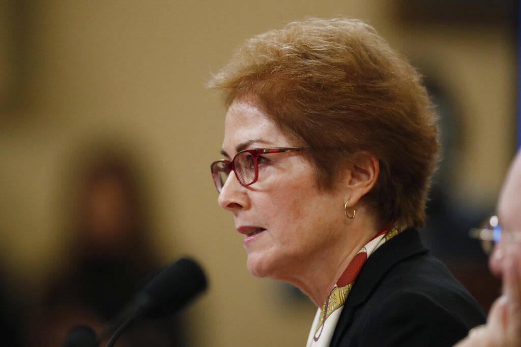 La ex embajadora de Estados Unidos en Ucrania, Marie Yovanovitch, testifica ante el Comité de ...