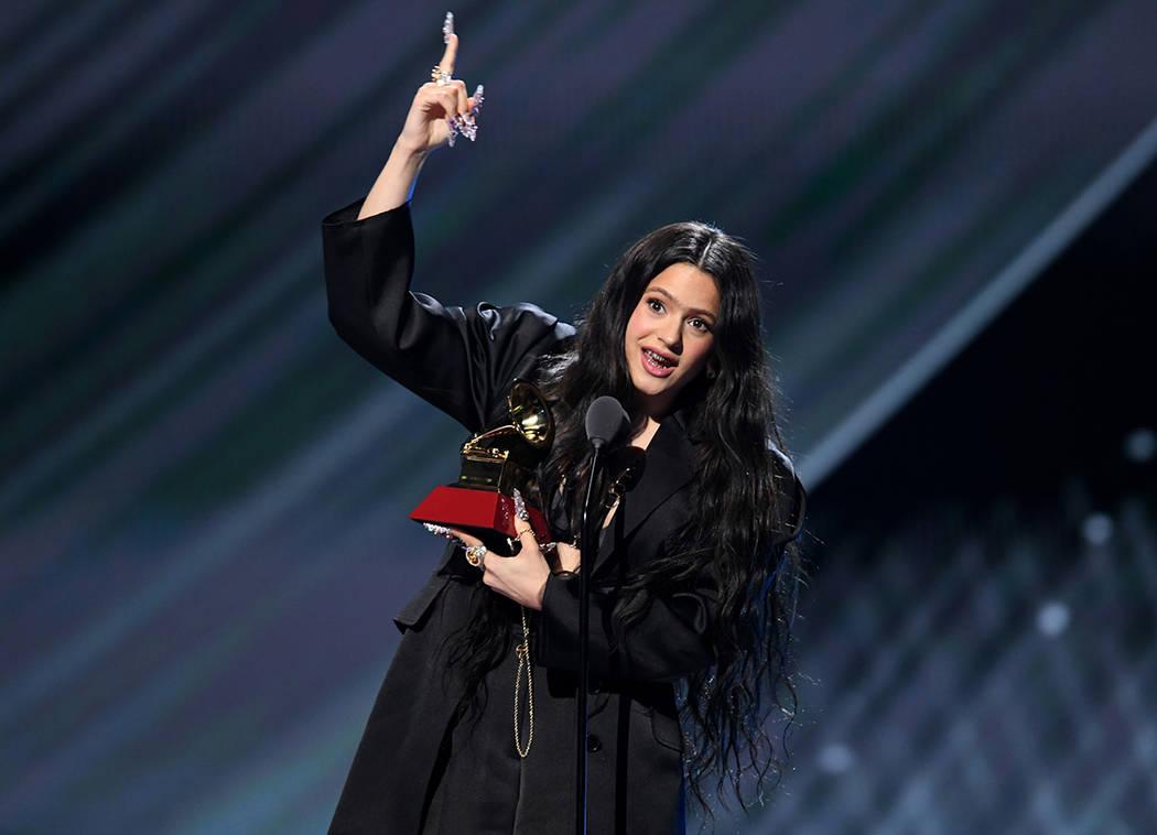 Rosalía obtuvo tres Grammy Latino y se proyecta con un futuro prometedor en la música latina. ...