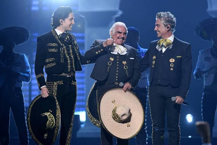 Uno de los momentos más emotivos de la noche fue protagonizado por la dinastía Fernández. Ju ...