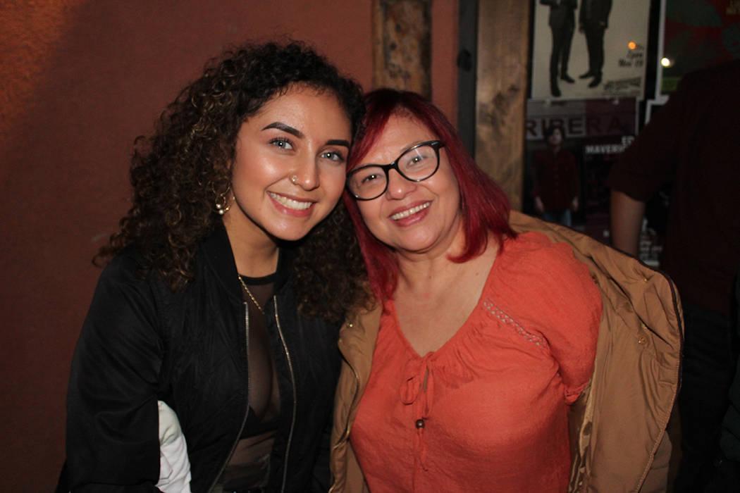 Laissa Delgado y su madre, conocieron a Ed gracias a redes sociales. Martes 12 de noviembre de ...