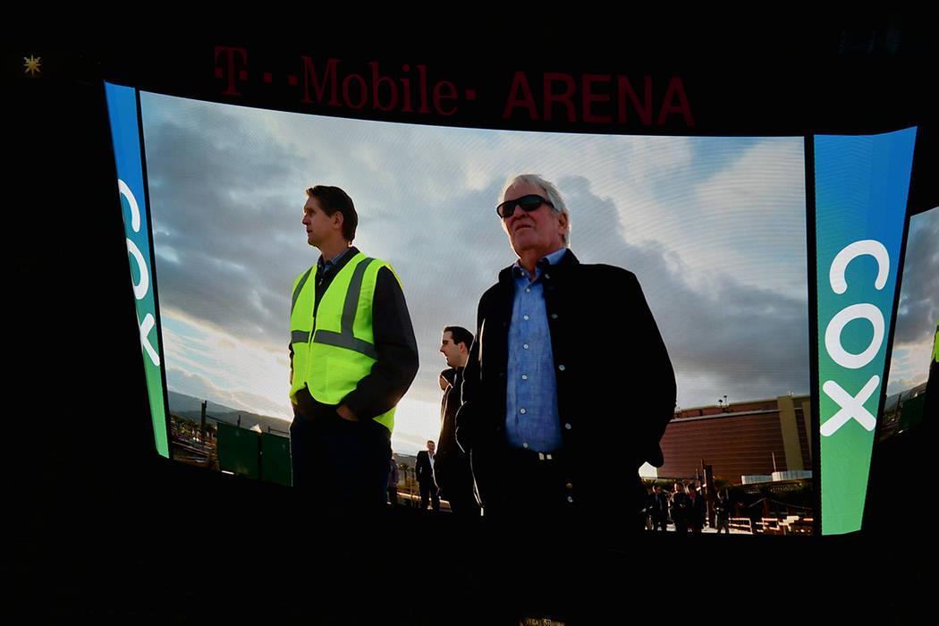 """""""Valiant"""" se proyectó en las pantallas de la T-Mobile Arena, previo al juego de los Golden ..."""