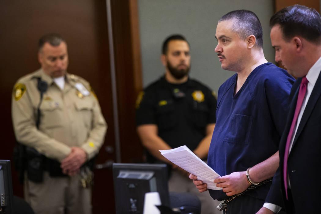 Anthony Wrobel lee su declaración antes de ser sentenciado en el Centro Regional de Justicia d ...