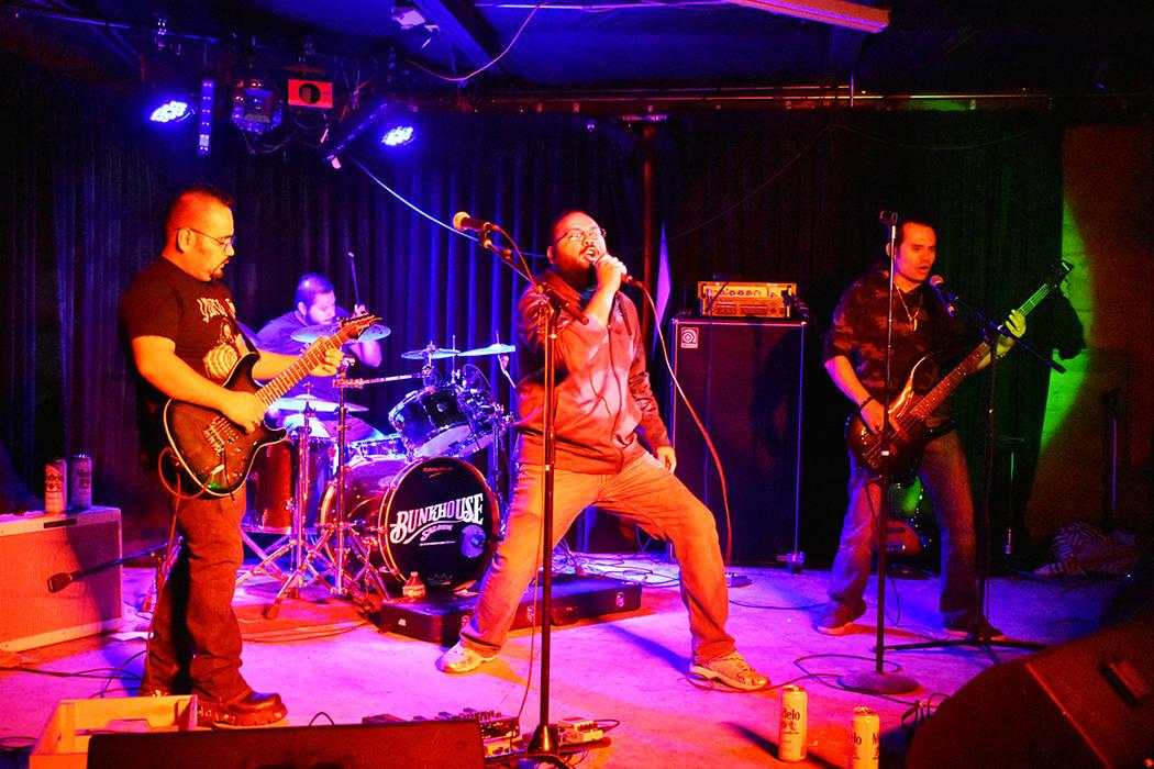 Duendez Ocultoz se presentó en el penúltimo evento del año de The Revolution Rock. Sábado 2 ...