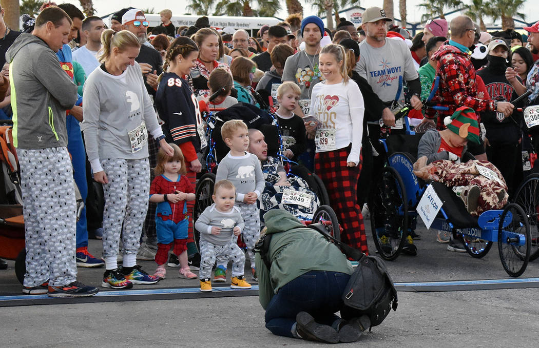 "Un oso polar decorativo adornó las festividades de la séptima edición de la carrera ""PJ 5K ..."