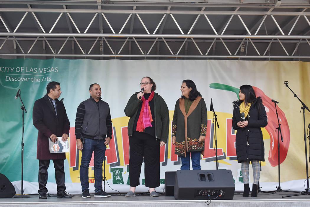 Génesis Narcizo, junto a Florentino Hernández, se encargaron de la presentación de artistas ...
