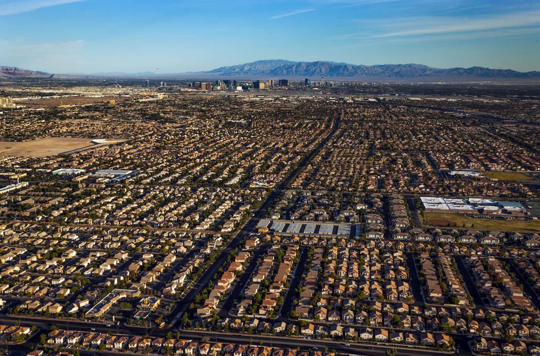 Vecindarios en el área sureste de la ciudad durante una foto aérea tomada el miércoles, 16 d ...