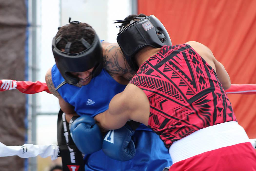 Desde los 8 a 18 años de edad pueden participar en el programa de boxeo gratuito de Center Rin ...