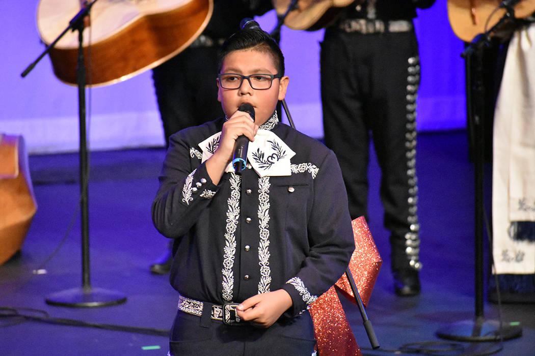 """Mariachi Estelar tocó el reconocido tema de Selena, """"Si una vez"""". Viernes 6 de diciembre d ..."""