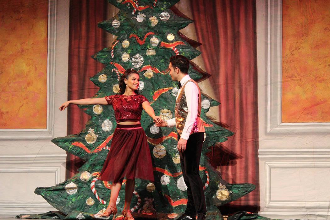 Paula y Jimi Jordan pusieron a bailar al público con la salsa en El cascanueces. Jueves 5 de d ...