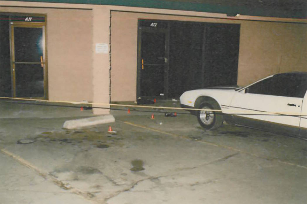 La escena del crimen en la cuadra 2100 de la Avenida Western donde Timothy Owen fue golpeado ha ...