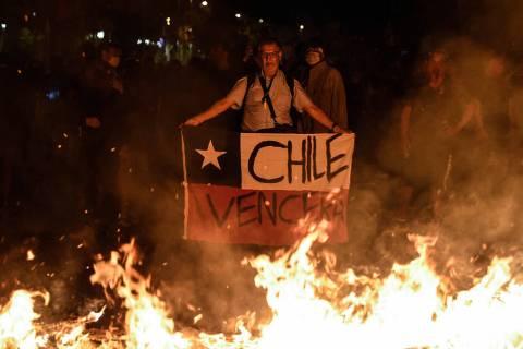 ARCHIVO. Santiago, 22 Nov 2019 (Notimex- Xinhua/Jorge Villegas).- Manifestantes participan en u ...