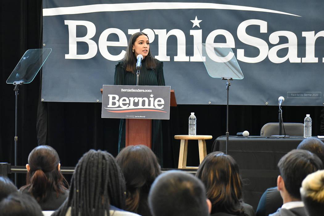 La congresista Alexandria Ocasio-Cortez estuvo de visita en el sur de Nevada para hacer campañ ...
