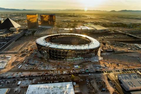 La obra de construcción del Estadio Raiders Allegiant el miércoles, 16 de octubre de 2019, en ...