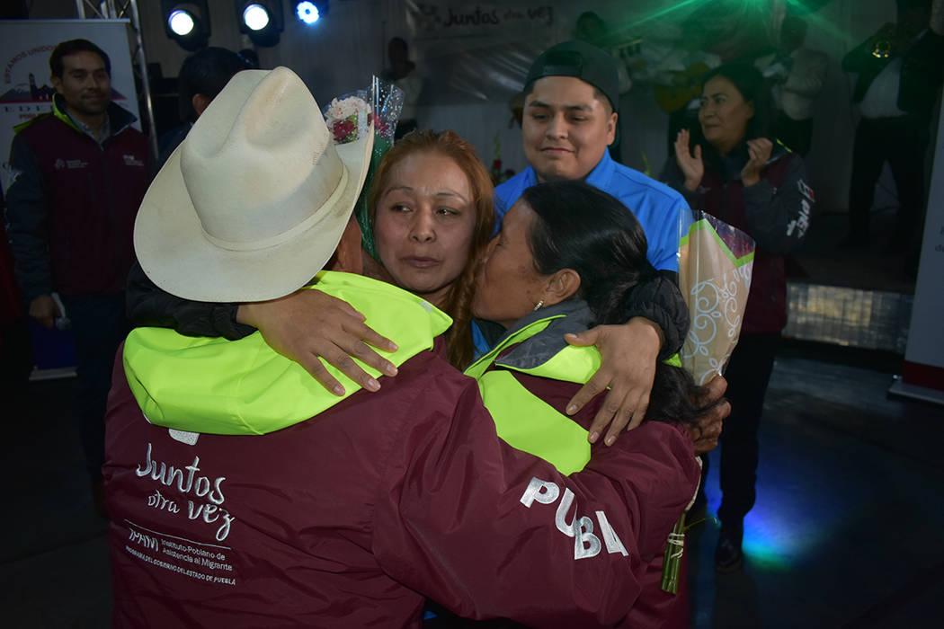 """""""Juntos otra vez"""" fue un emotivo evento que unió nuevamente a decenas de migrantes poblano ..."""