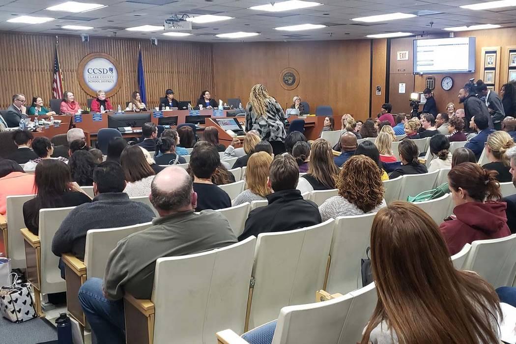 La Junta Directiva de las Escuelas del Condado de Clark se reunió el jueves, 12 de diciembre d ...