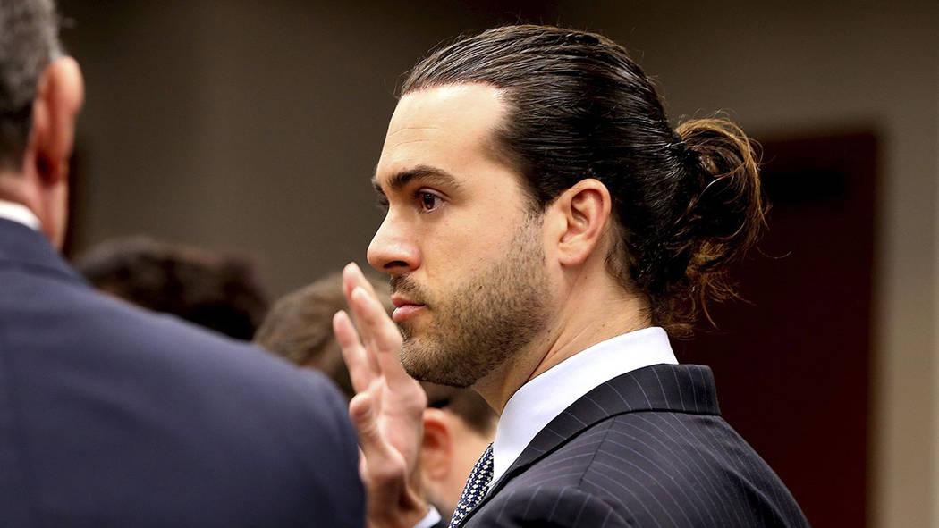 El actor mexicano Pablo Lyle en una corte de Miami, donde enfrenta cargos por la muerte de un t ...