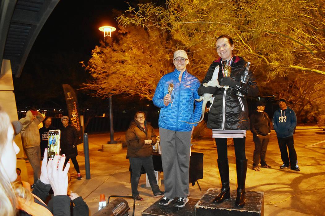 Las ganadoras de la carrera Resolution Run 10K organizada por la compañía Triple Dare Running ...