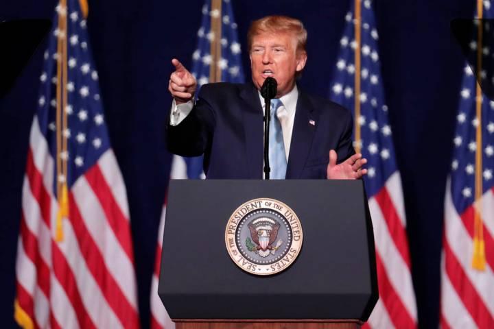 """El presidente Donald Trump habla durante el """"Lanzamiento de la Coalición Evangélica para el T ..."""