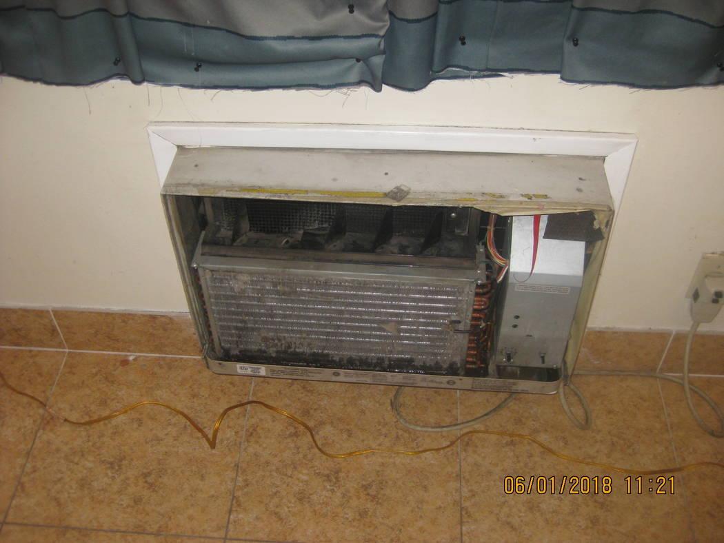 Una unidad de aire acondicionado fotografiada por el Distrito de Salud del Sur de Nevada durant ...