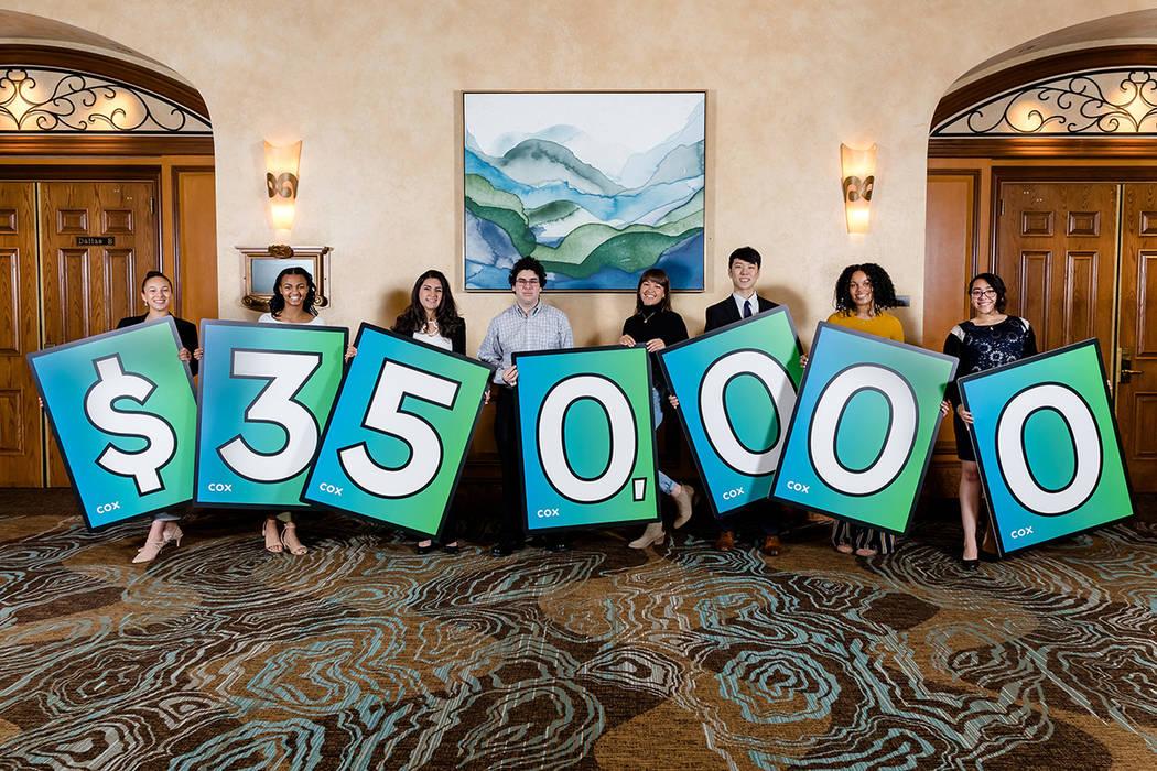 Fotografía ilustrativa: Los beneficiarios de las Becas de Diversidad 2019 de Cox representan el compromiso continuo de ...