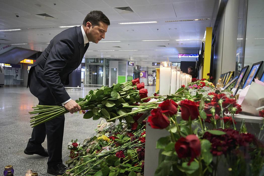 En esta foto de la Oficina de Prensa Presidencial de Ucrania, el Presidente de Ucrania Volodymy ...
