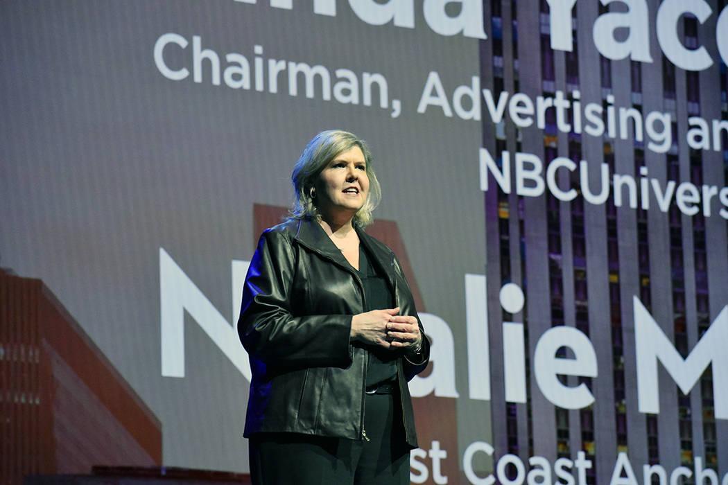 Karen Chupka, vicepresidenta ejecutiva de Consumer Tecnology Association presentó a la moderad ...
